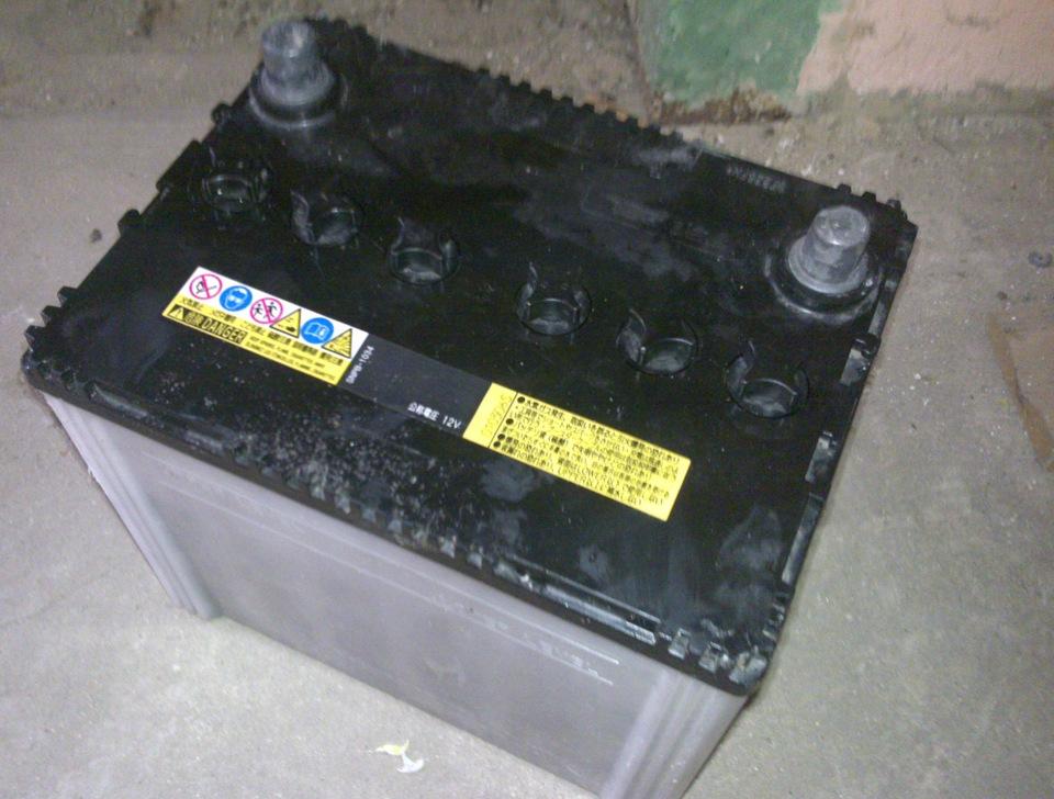 Какой аккумулятор на митсубиси лансер 10