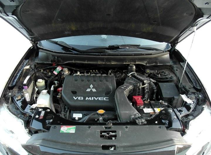 Мотор шестерка на Аутлендере