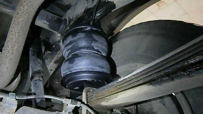 Установленная пневматическая подвеска l200
